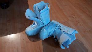 Morrow woman's snowboard boots