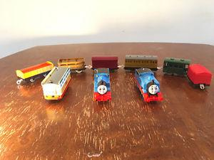 Thomas Train set with tracks and wagons and extras