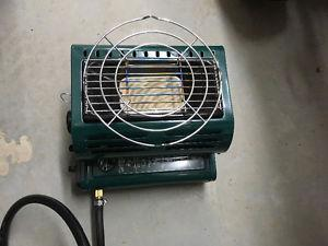 Heater/cooker and kettle for camping and ice fishing
