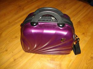 Heys Beauty Case Luggage (Great quality and lots of room)