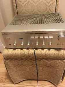 Hitachi 300 watt Amp