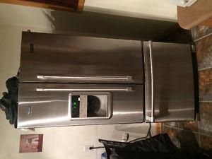 Maytag Refridgerator With Water and Ice Maker