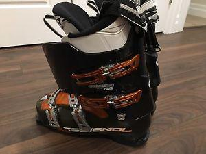 Rossignol ski boots size 10.5 or 28.5 or 330mm