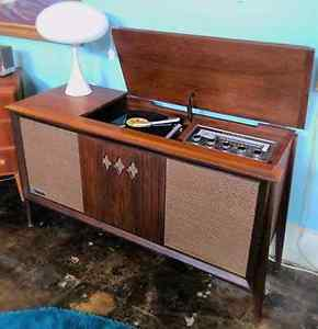 Wanted: I am looking for Record player cabinet