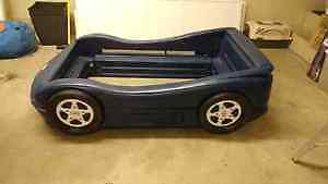 Wanted: im looking for a single mattress car bed