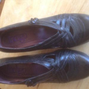 Clark Indigo black leather dress shoes