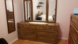 DOUBLE BED, DRESSER WITH MIRROR & CHEST OF DRAWERS