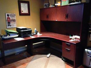 Excutive L Shaped Computer Desk with Hutch