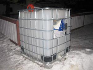 330 U.S. Gallon water tank