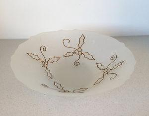 Bowl with gold design