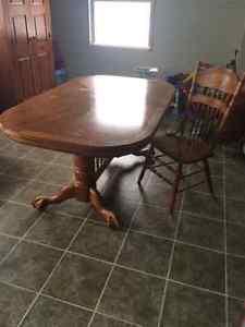 Solid Oak Dining Room Set - 7 Pc