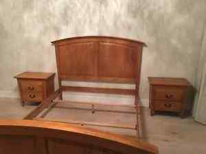 6 piece Queen bedroom suite. Purchased from Finesse. Must