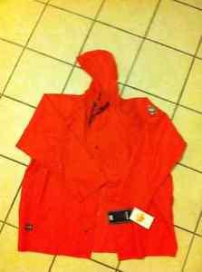 Brand New Size XXL Helly Hansen Rain Jacket $40