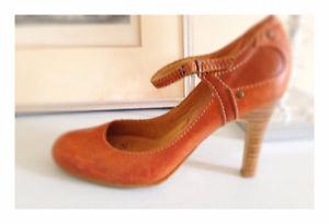 Aldo Mary Jane tan high heel shoes