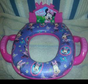 Minnie Mouse Toilet Seat - Plays Music