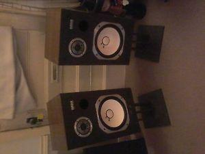 Old school Yamaha house speaker's, hard to find, asking $