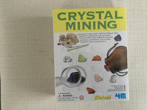 Crystal mining set