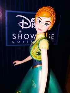 Enesco Disney Showcase Collection Frozen Fever Anna Statue