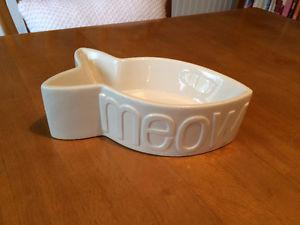 Fish Shaped White Ceramic Cat Dish - never used - only $3