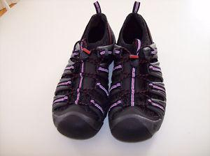 Men's Keens Black/Red/White shoes in new condition size 11.5