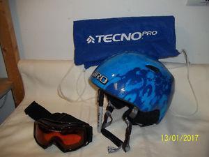 Snowboard/Ski Helmet (Giro) Children's Size with Goggles