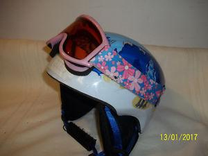 Snowboard/Ski Helmet (Smith) with Goggles Children's Size