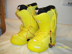 """Women's Snowboard Boots Sizes ½ """"NEW"""" (6"""