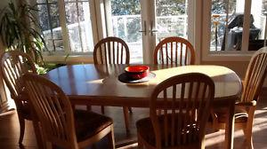 Beautiful Blonde Oak Bernhardt Dining Room Furniture