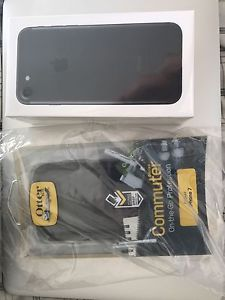 Brand new sealed IPhone 7 32gb locked to Bell + otterbox