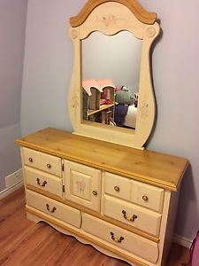 Girls solid pine hand built twin bed set