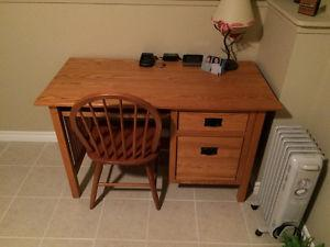 Mission style solid oak computer desk with chair like new
