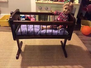 Toy baby crib