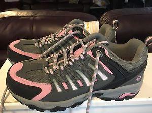 Women's Wolverine steel toed work shoes size 8