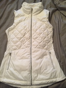 Lululemon Down for a Run Vest Size 8 - like new!