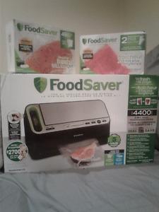 **BRAND NEW IN BOX** Food Saver V in 1 Vacuum