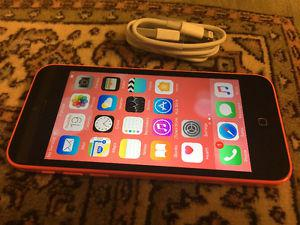 IPHONE 5C PINK 32GB IN GOOD CONDITION