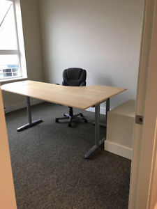 One office desk and one round desk for sale in excellent
