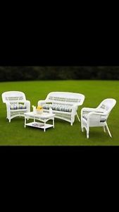 WANTED:WHITE WICKER PATIO SET