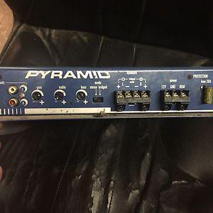 Car audio amp $20