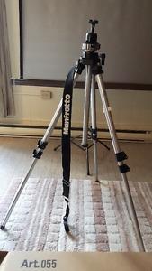 Manfrotto camera tripod