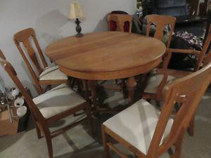 Quarter sawn oak dining table and chairs