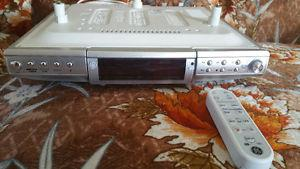 Under The Counter Radio/CD Player With Remote