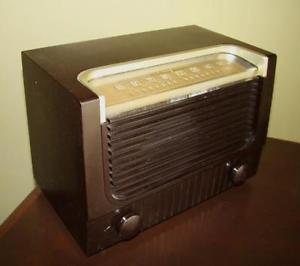 antique radio a lampe rca victor  a  en bakelite