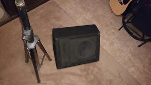 2 peavey speaker's and stands 300$,, and 2 peavey monitor's