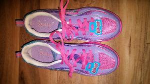 FS: Girls Youth Skechers Size 5