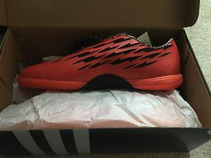 MENS NEVER WORN ADIDAS SNEAKERS SZ 9.5