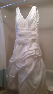 Wedding Dress size 22 but can be taken in.