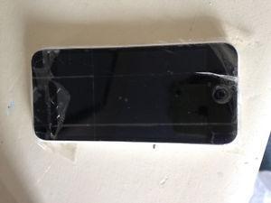 iPhone 5C 16gig cracked screen
