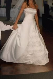 Wanted: Stunning Wedding Dress