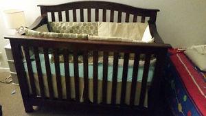 baby crib and crib set